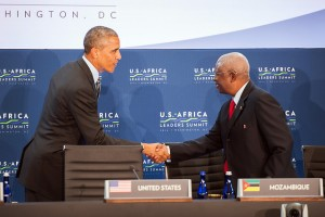 President Obama greeting President Guebuza at the Africa Summit in Washington, 2014 (Photo: State Department)